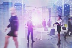Commercieel team in hallo technologie-bedrijfbureau royalty-vrije stock afbeeldingen