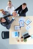 Commercieel team met handen samen - geïsoleerde groepswerkconcepten, Commercieel team Stock Foto's