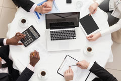 Commercieel team op een vergadering Stock Fotografie