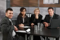 Commercieel team op vergadering stock foto's