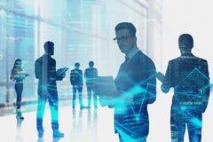 Commercieel team in stad, netwerkinterface stock afbeelding