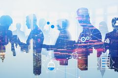 Commercieel team in stad, virtuele interface royalty-vrije stock fotografie