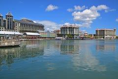 Commerciële centrum en gebouwen te Caudan-Waterkant, Haven Louis, Mauritius Stock Foto's