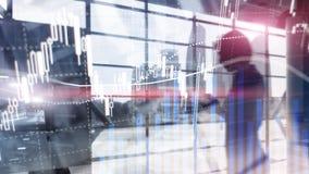 Commercio dei forex, mercato finanziario, concetto di investimento sul fondo del centro di affari immagine stock libera da diritti