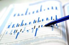 Commercio e rapporto finanziario Fotografie Stock Libere da Diritti