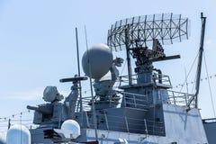 Communicatie toren op het slagschip Stock Foto's