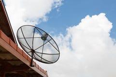 Communication d'antennes paraboliques Image stock