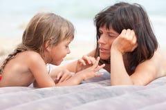 Communication de mère et de descendant Photo libre de droits