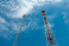 Communication derrick against blue sky Royalty Free Stock Images