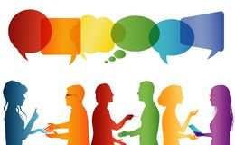Communication entre le grand groupe de personnes qui parlent Parler de foule Communiquez la mise en r?seau sociale Dialogue entre illustration stock