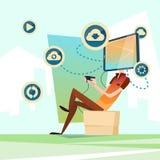 Communication sociale de réseau de tête intelligente de téléphone de cellules de jeu vidéo d'ordinateur de jeu d'homme Images libres de droits