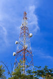 Communications tower. With blue sky Royalty Free Stock Photos