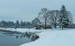 Community湖,有花边的wa 免版税库存照片