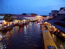 Community settlement along Amphawa canal Royalty Free Stock Photos