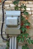Commutateur électrique sur un mur de briques Photographie stock