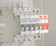 Commutateurs électriques automatiques installés image stock