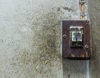 Commutatore elettrico di vecchio danno Fotografia Stock Libera da Diritti
