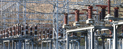 Commutatori e dispositivi in una grande centrale elettrica Fotografia Stock Libera da Diritti