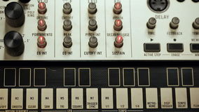 Commutazione-del dispositivo analogico del regolatore del Midi per il pareggiamento sano video d archivio