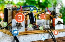 Commutez 'Marche/Arrêt' des circuits électriques photographie stock libre de droits