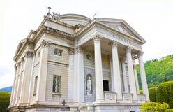 Como Italien - Maj 03, 2017: Museet av Como kallade den Volta templet och det hängivet till forskaren Alessandro Volta som Arkivfoton