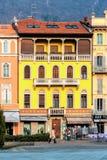 COMO, ITALY/EUROPE - LUTY 21: Opóźniony afternnon słońce na yello Fotografia Royalty Free