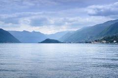 Como Seelandschaft. Lenno-Dorfansicht von Bellagio, Italien Stockbilder