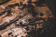 Compás del metal, herramientas más luthier imagen de archivo libre de regalías
