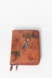 Compás en un diario de cuero del recorrido. Fotos de archivo libres de regalías