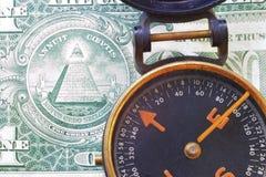 Compás y dólar americano fotografía de archivo