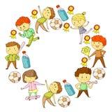Compétitions sportives d'enfants Jeunes atheles jouant au football, le football, base-ball, basket-ball Exécution de garçons et d illustration libre de droits