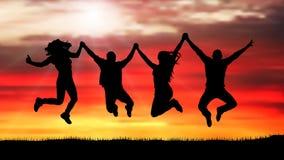 Compañía de amigos, gente feliz, saltando en la silueta de la puesta del sol ilustración del vector