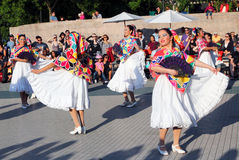 Compañía de danza mexicana de Calpulli Foto de archivo