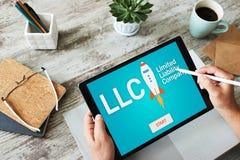 Compañía de responsabilidad limitada del LLC Estrategia empresarial y concepto de la tecnología fotos de archivo libres de regalías