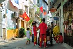 Compañías de la danza del dragón en la celebración del Año Nuevo de Tet Imagen de archivo