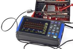 Compacte digitale opslagoscilloscoop stock afbeelding