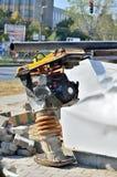 Compactor плиты на строительной площадке Стоковое Фото