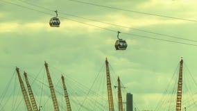 Compagnie aérienne d'émirats, arène O2 et le ciel à Londres clips vidéos