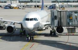 Compagnie aérienne dans l'aéroport Photo libre de droits