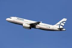 Compagnies aériennes égéennes Airbus A320 Photographie stock