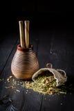 Companheiro de energização do yerba feito das folhas secadas frescas Fotografia de Stock Royalty Free
