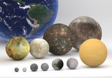 Comparaison de taille entre les lunes de Saturn et de Jupiter Photos libres de droits