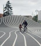 Comparez le parc au centre de la ville de Copenhague photos stock