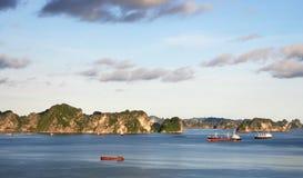 Compartiment de Halong, Vietnam photographie stock libre de droits