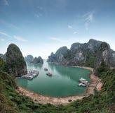 Compartiment Vietnam de Halong Vue long de compartiment d'ha Photographie stock