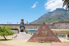 Compartimento de pó na frente do castelo da boa esperança em Cape Town Imagens de Stock