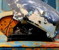 Compartimento di motore e del cappuccio del camioncino internazionale d'annata Fotografia Stock