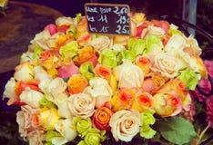 Compartimiento de rosas en venta Foto de archivo libre de regalías