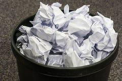 Compartimiento negro lleno del papel usado Foto de archivo libre de regalías
