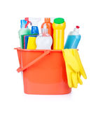Compartimiento plástico con las fuentes de limpieza Imagen de archivo